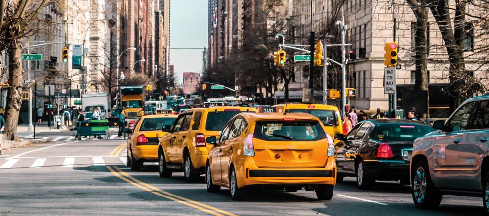 taxi jaune dans la circulation à New York