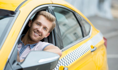 chauffeur de taxi jaune