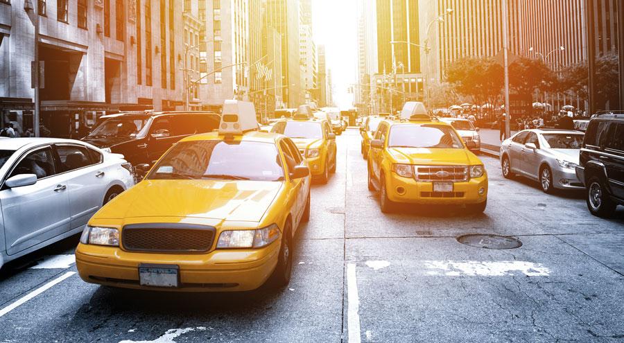 des taxis dans les rues de New York